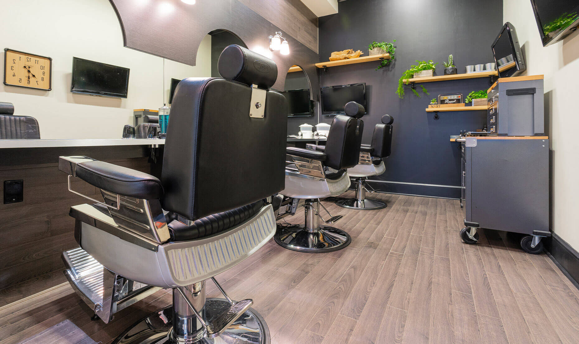 Hair salon for him | Men's grooming lounge | Haircut & shave
