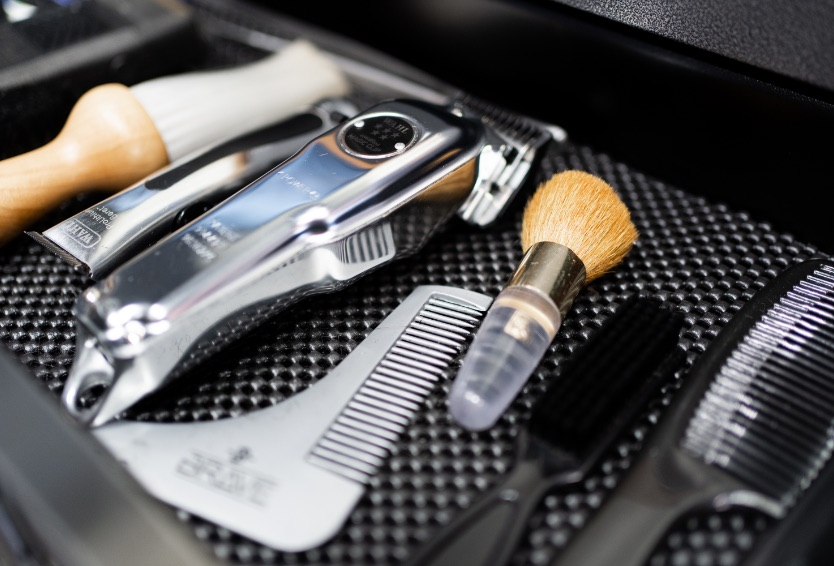 Barber supplies | Shears | Shaving blade | Combs