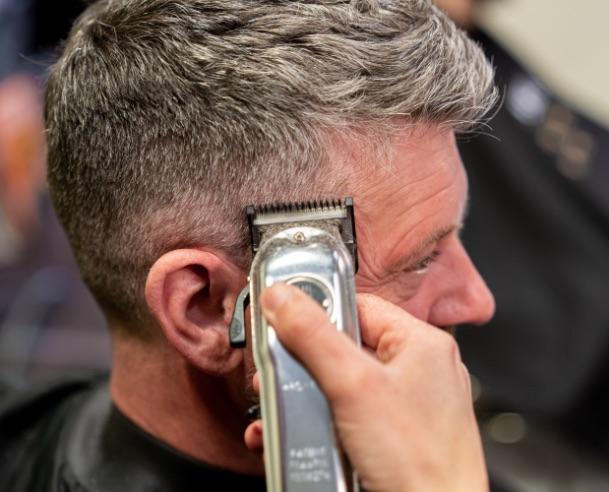 Cheveux pour hommes | Coupe au clipper | Barbershop
