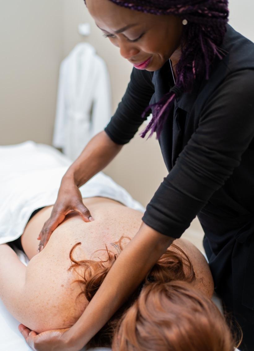 Massothérapeute | Massage suédois | Relaxation