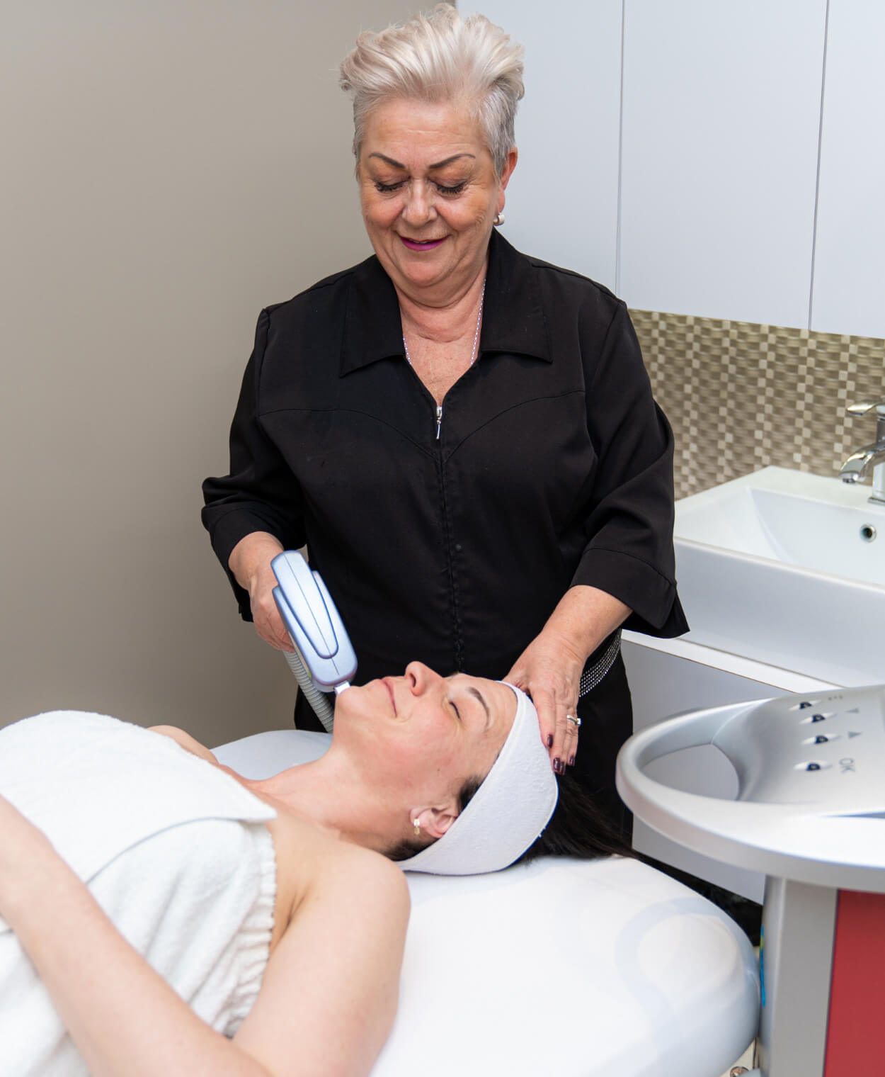 laser-therapy-wrinkle-couperose-dark-spots