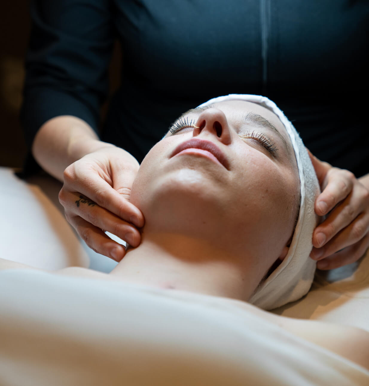 spa-treatments-facial-microdermabrasion-skin-care